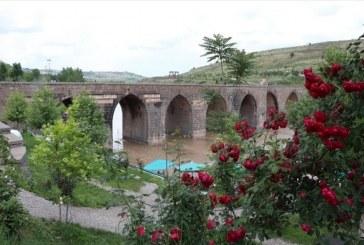 """""""دياربكر"""" التركية تتعافى من آثار الإرهاب لتتحول إلى مركز سياحي"""