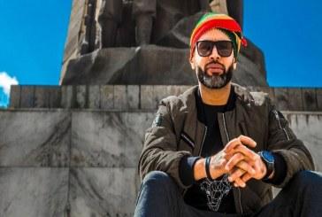 """الفنان المغربي """"فان"""" يجمع بين الفلكلور المغربي والافريقي والراب"""