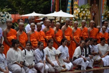فتية كهف تايلاند أمام مهمّة مختلفة حلقوا رؤوسهم وارتدوا ملابس صفراء