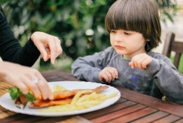 الأسماك الدهنية يمكن أن تحسن وظائف الدماغ لدى الأطفال