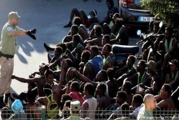 المغرب يرحّل بالقوة مئات المهاجرين من المناطق الساحلية إلى الجنوب
