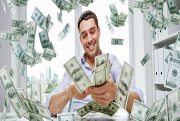 دراسة  تؤكد على أن الحصول على المال يشعر الأنسان بالسعادة