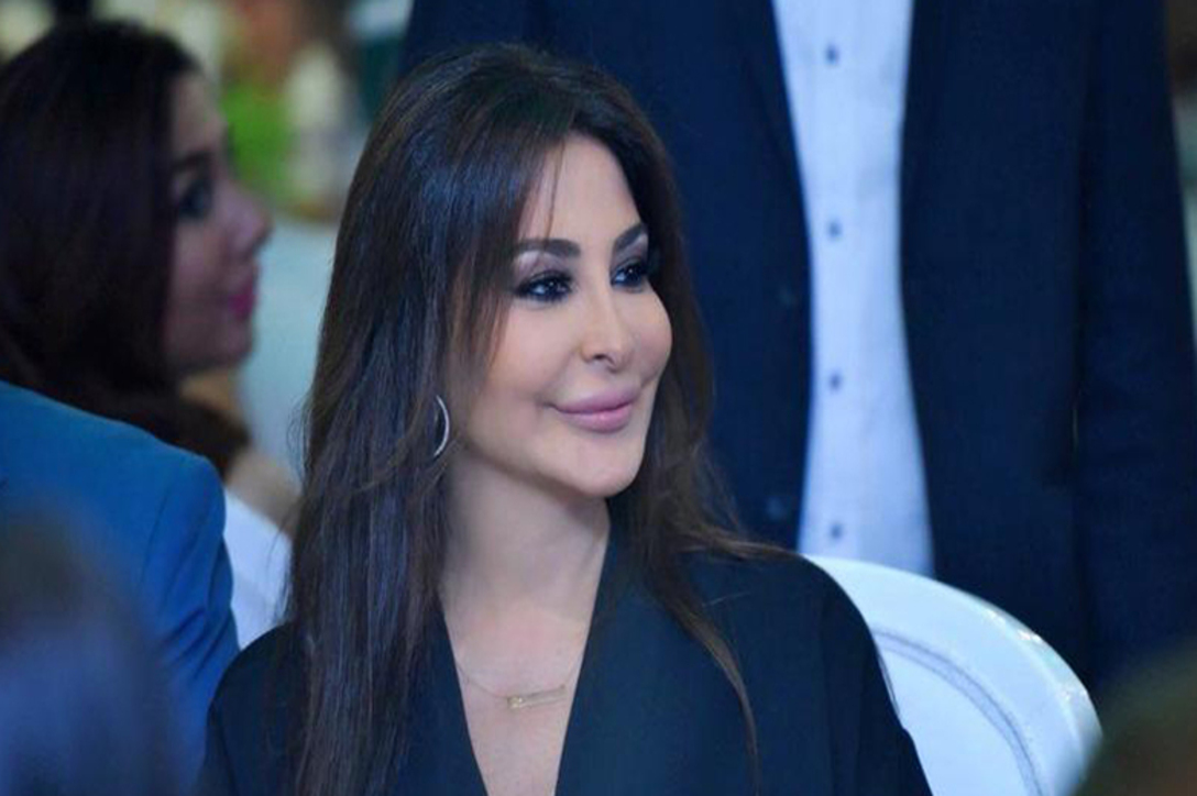 إليسا تلتقي جمهورها على مسرح لبناني وتغني أغنية تتحدث عن مرضها